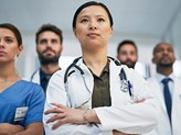 Wide earnings gap persists between male and female doctors